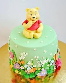 Детский торт Винни в цветочках