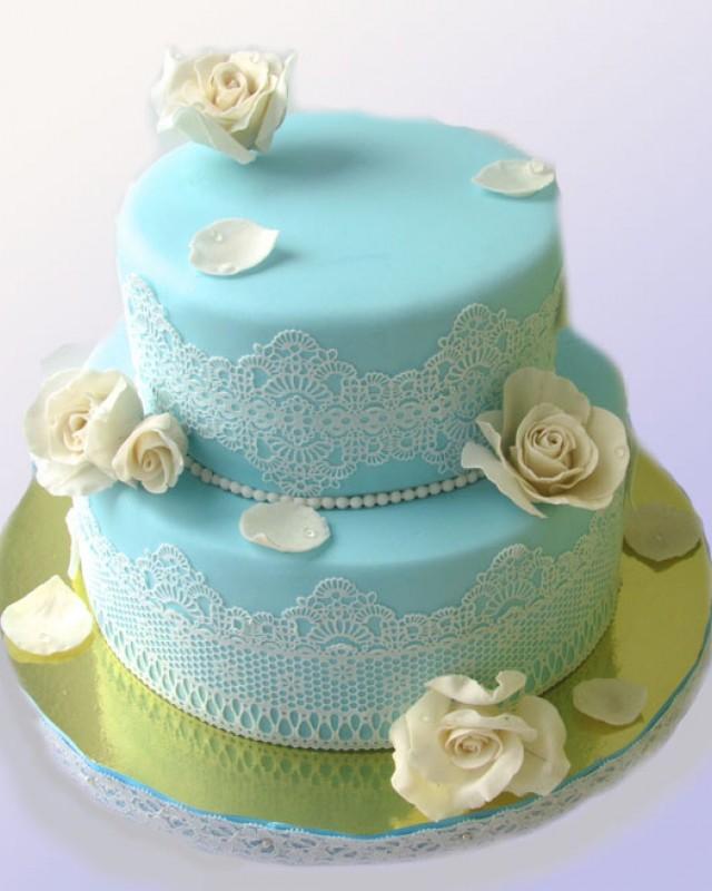 Свадебный торт с кружевами