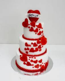 Свадебный торт Красные сердечки
