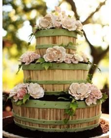 Свадебный торт Розы в саду