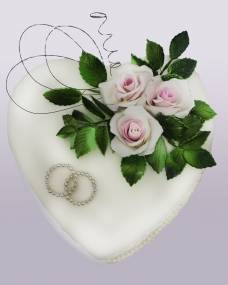 Свадебный торт Розы на сердце