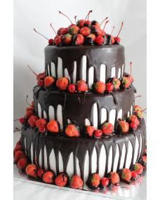 Свадебный торт Клубничка