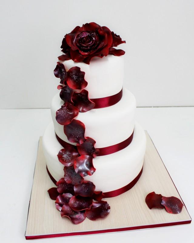 Цвет марсала свадебный торт